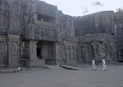 Manmodi group of caves