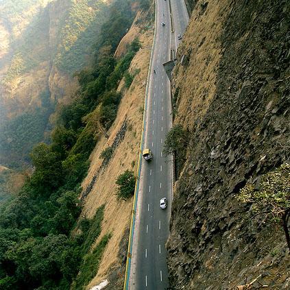 Mumbai-Pune Expressway from Rajmachi Garden,Khandala