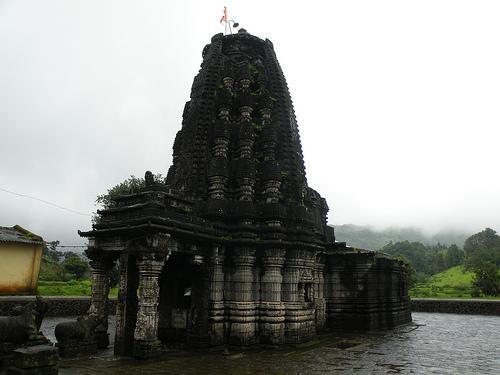 Amruteshwar Temple Ratanwadi