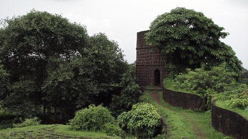 Inside the Jaigadh fort