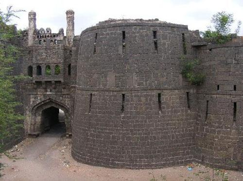 Solapur fort main gate