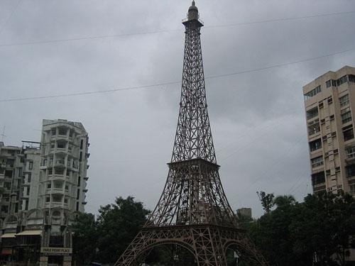 Mini Eiffel Tower at Parle Point in Surat