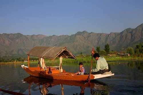 Kashmir Dal lake boat