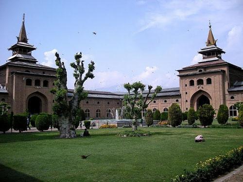 Jama masjid mosque Srinagar