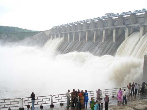 Mahi Dam is about 18 km from Banswara