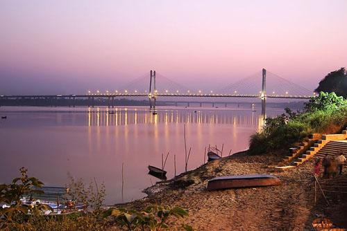 On the banks of New Yamuna bridge,Allahabad