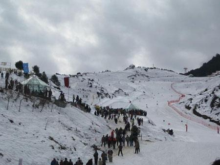 ski slope at  Auli Uttarakhand
