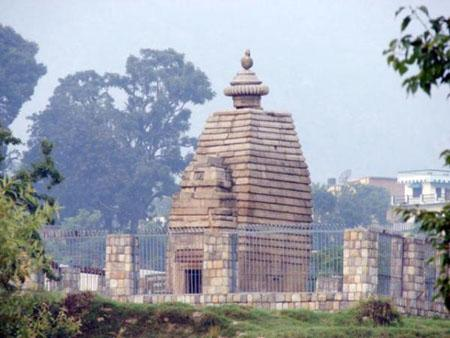 Dwarahat Ancient Temple
