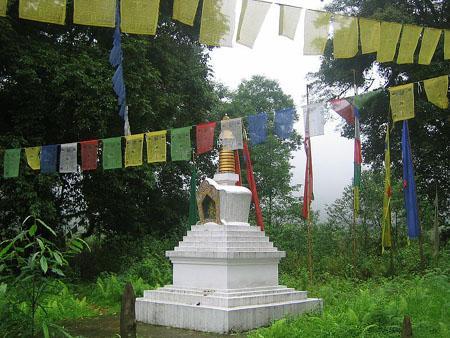 Stupa near khecheopalri