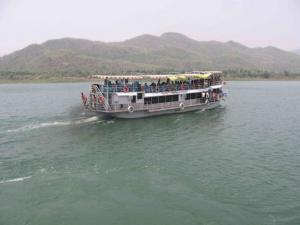 Bhadrachalam to rajahmundry