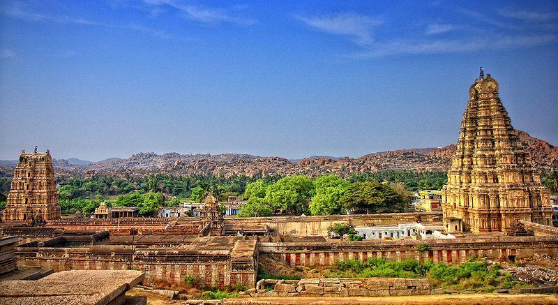 Vitthala temple with musical pillars, Hoysala style multigonal base Hampi