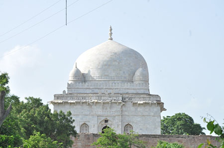 Tomb of Hoshang Shah