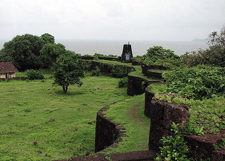 Pleasant view of Jaigadh fort