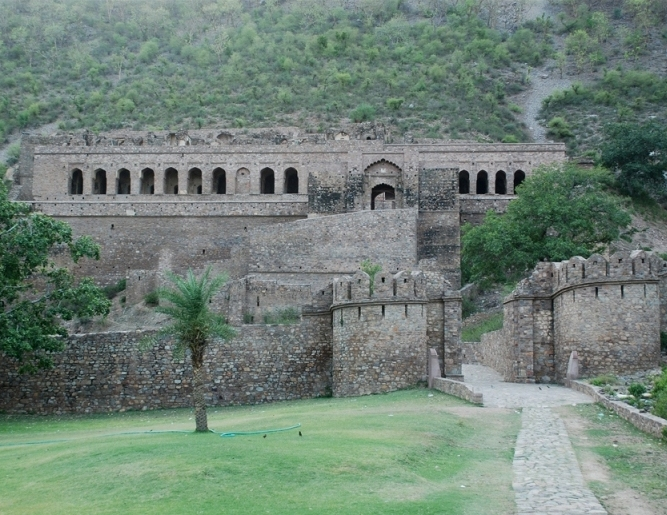 The ruins of Bhangarh paint a picture of the ancient kingdom