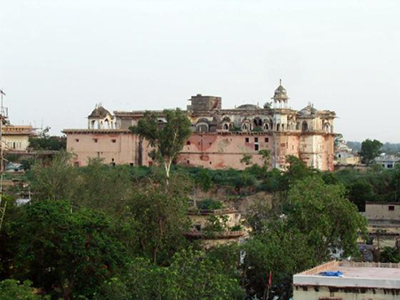 The Palace. It is a fine blend of Mughal and Rajput architecture, built in various phases by different Maharajas