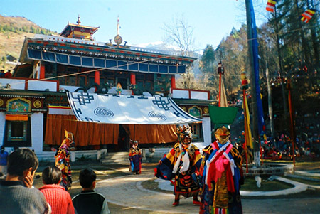 Gumpa dance at Lachung monastery